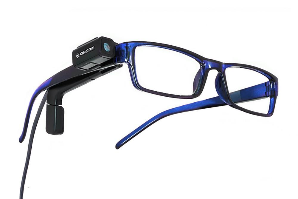 orcam vastgeklikt op bril
