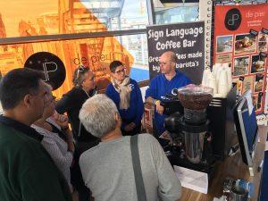 De workshop koffie maken trok veel belangstelling.